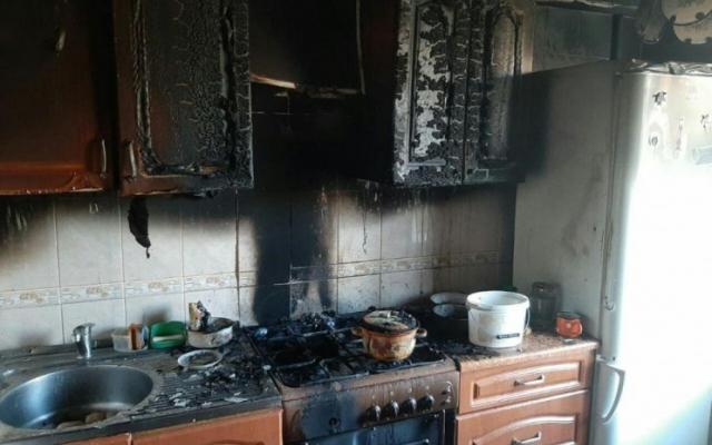 В Запорожье спасатели тушили кухню, жители квартиры отказались от госпитализации (ФОТО) Фото № 0
