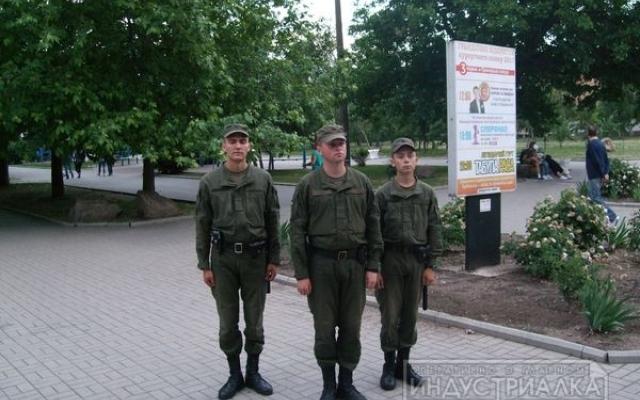 Улицы Бердянска заполнили бойцы Нацгвардии