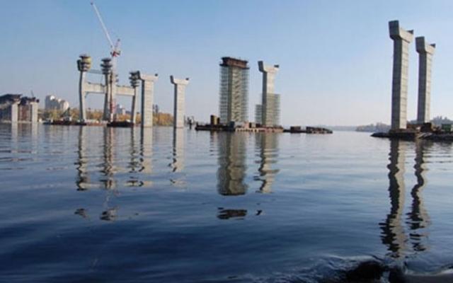 Запорожские руферы заночевали на строительном кране(ВИДЕО)
