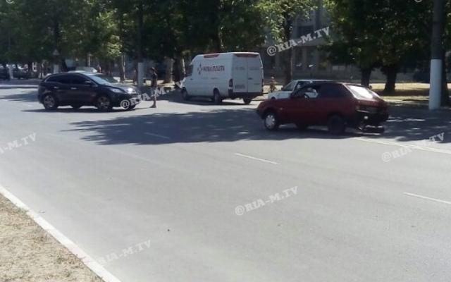 В Запорожской области в результате аварии у машины оторвало колесо (ФОТО) Фото № 1