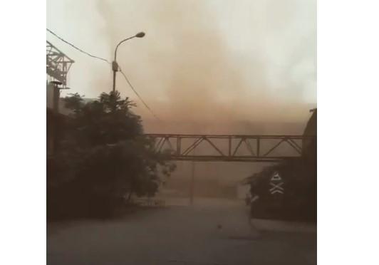 Сотрудники одного из запорожских предприятий-гигантов показали едкий дым выбросов на видео Фото № 0