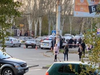 В Запорожье полиция задержала автомобиль «BMW» из которой производились выстрелы Фото № 0
