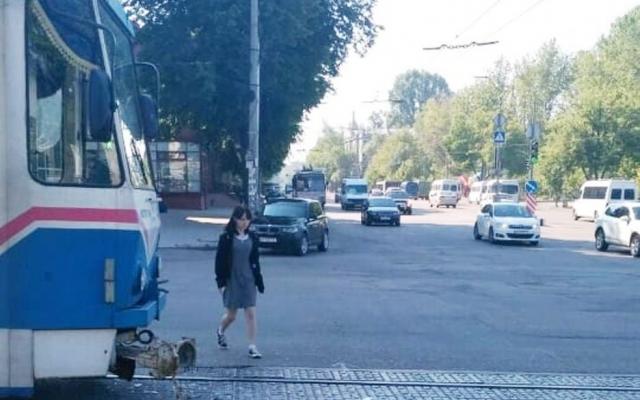 На площади Свободы ДТП с участием городского транспорта (ФОТО) Фото № 3