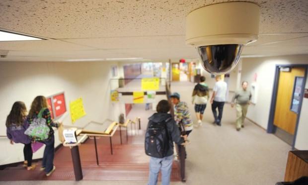 В запорожских школах установят камеры видеонаблюдения