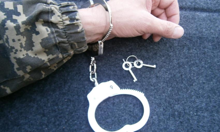 Сотрудник военкомата вымогал у бывшей своей женщины 40 тысяч гривен