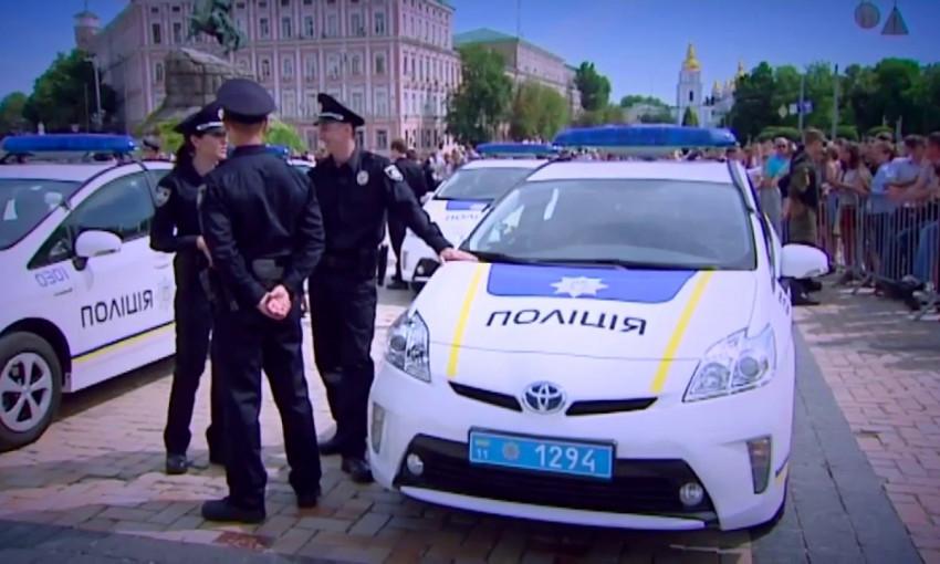 В Запорожье задержана девушка, которая без одежды расхаживала по городу (ВИДЕО)