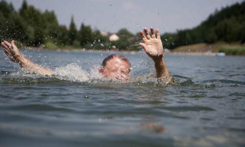 В Запорожской области во время рыбалки с отцом утонул ребенок
