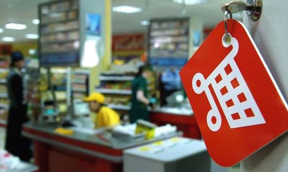 Вор подобрал ключ к ячейке в супермаркете и украл кроссовки за 2,5 тыс.грн.